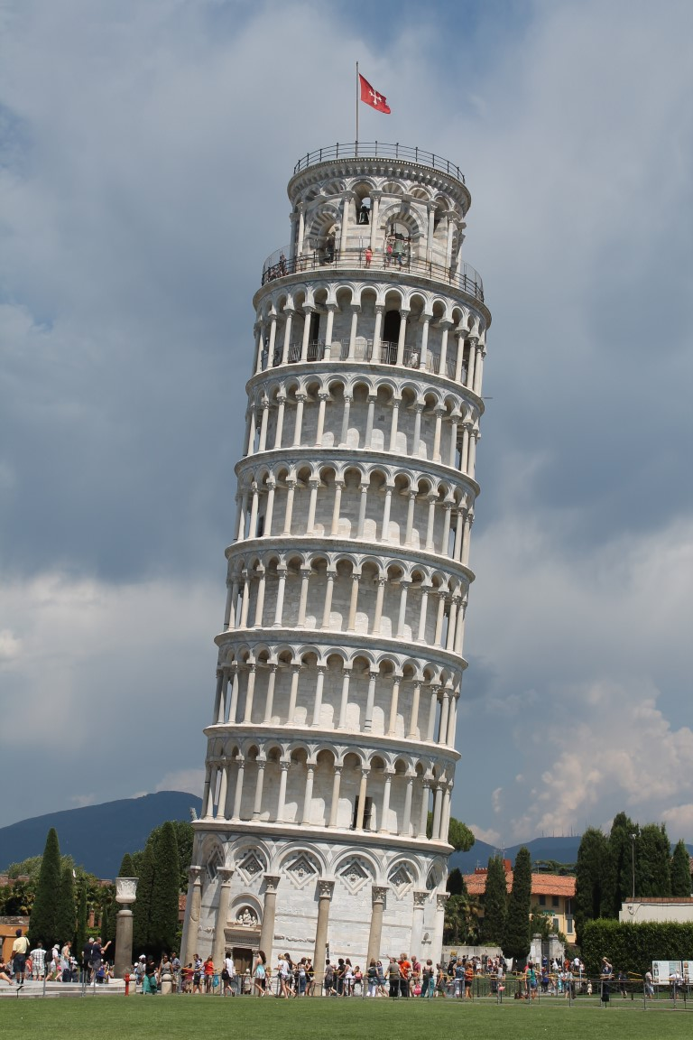 the leaning tower of pisa These are the underlying reasons and construction factors that have caused the leaning tower of pisa to slant and the methods to right it.